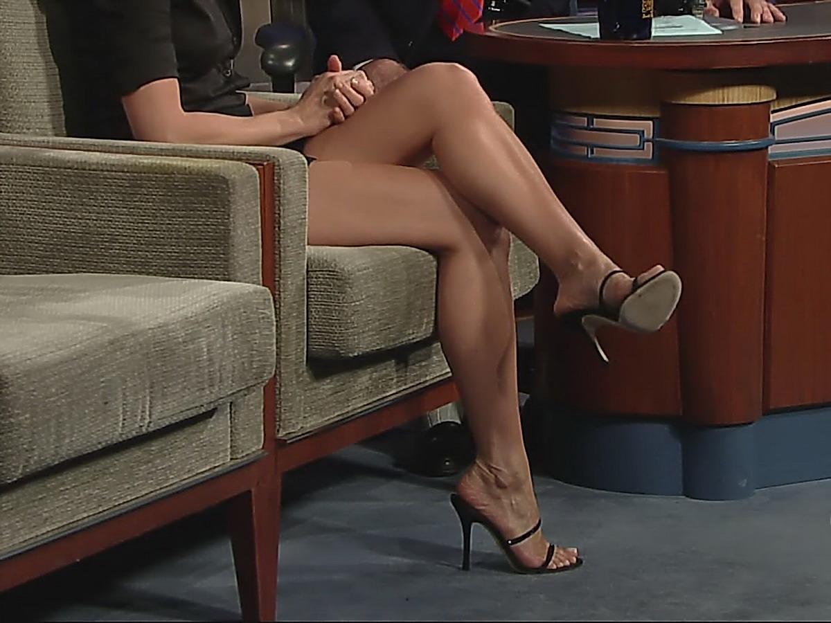 Во власти женских ног смотреть онлайн 7
